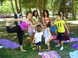 Dia Mundial Yoga Valenica - 24 06 2013 grupo